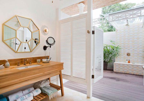 barefoot luxury designed bathroom